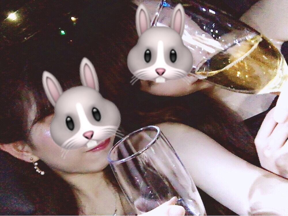 リムジン女子会のシャンパンの画像
