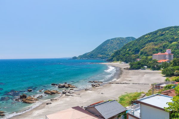 青いビーチ、白い砂浜今井浜海岸