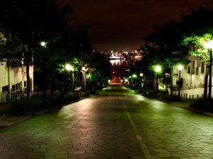 八幡坂の夜景の画像