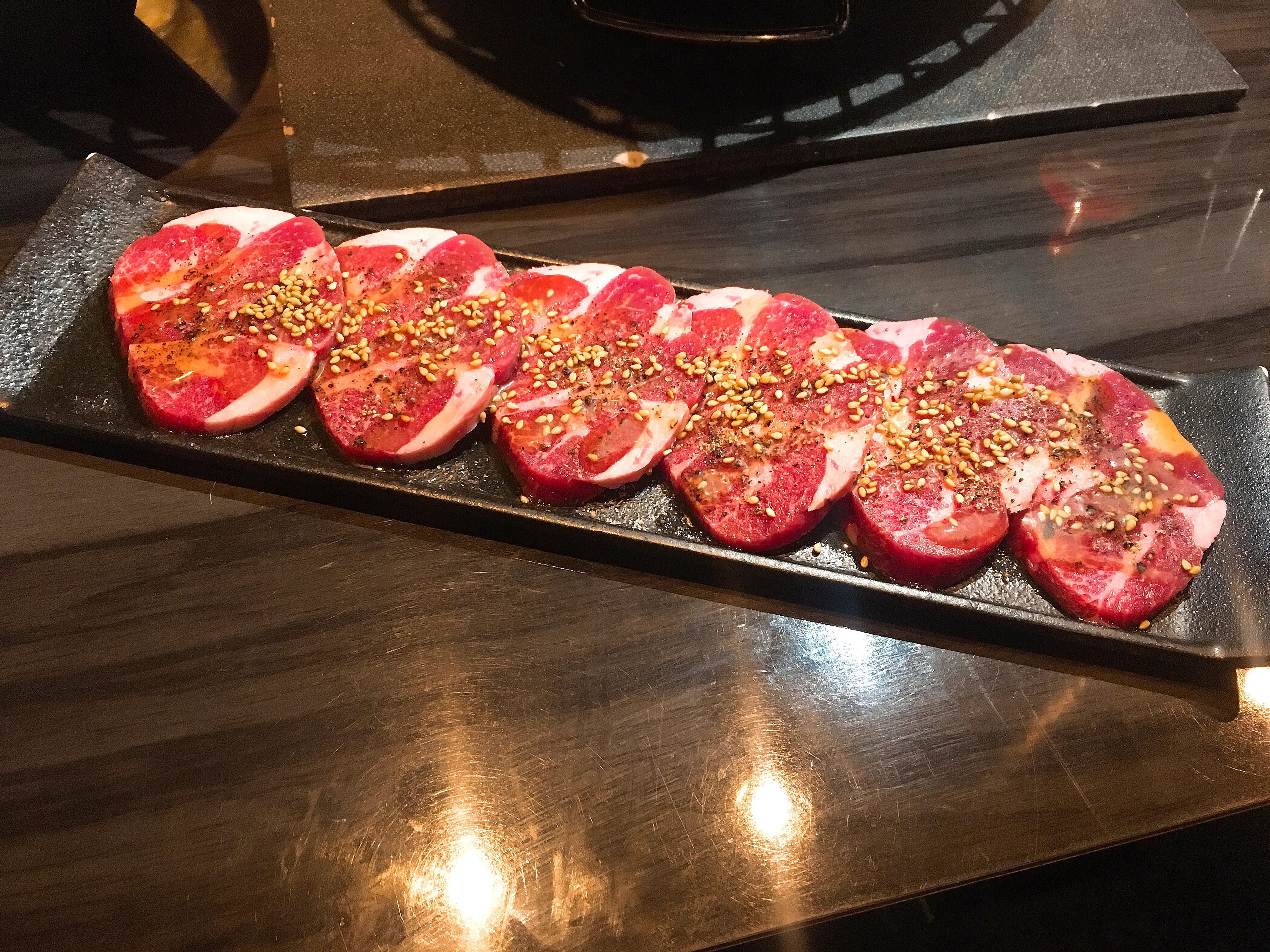 渋谷炭火焼ホルモンぐうのタンスジの画像