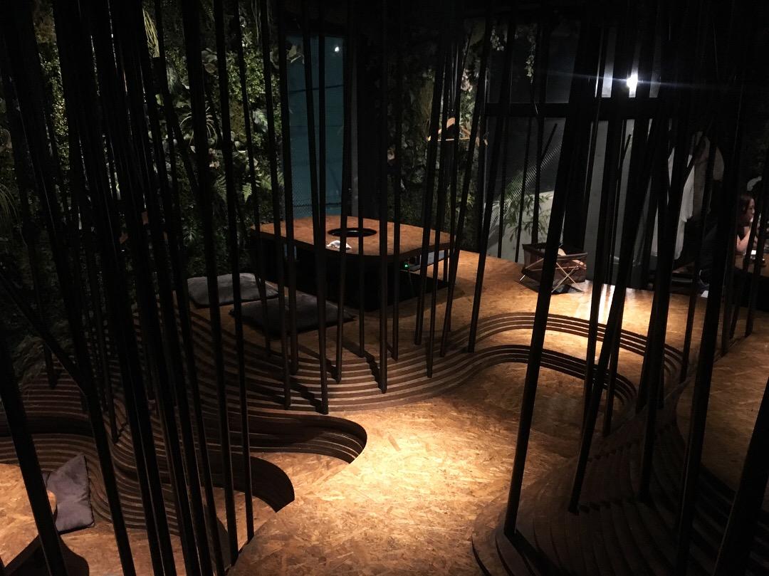 六本木ニクノトリコで女子会☆焼肉屋とは思えない斬新な店内・OZmallプランをご紹介します【前編】