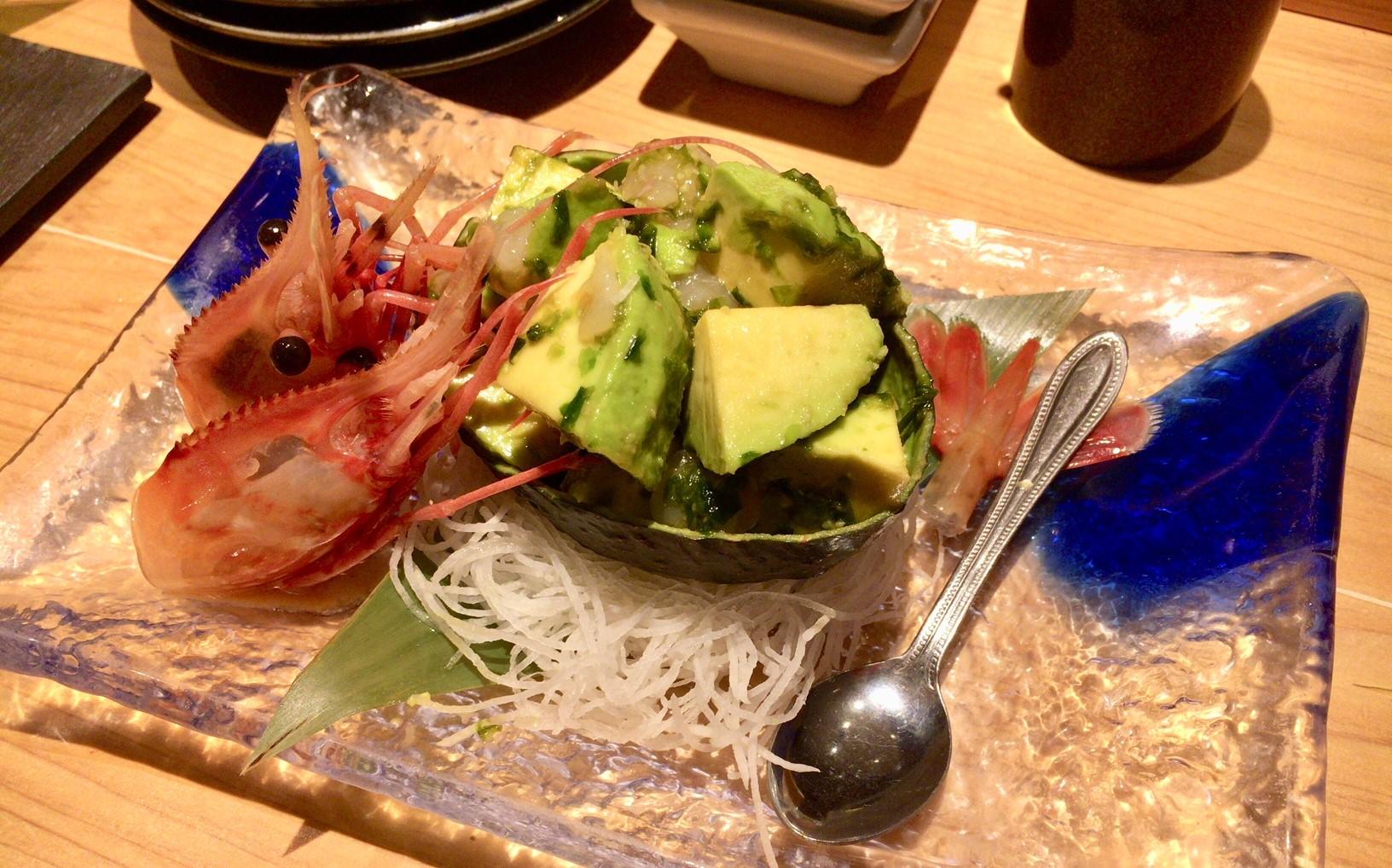 宇田川紫扇のボタン海老とアボガドの生海苔和えの画像