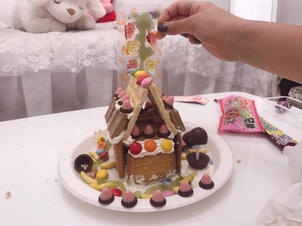 女子会にもオススメ!市販のお菓子だけで『お菓子の家』を作ってみた☆作る際に注意すべき点とは・・?