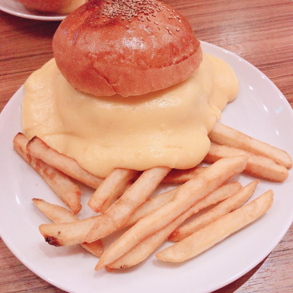 BURGER&MILKSHAKE CRANEのスーパーチーズバーガー