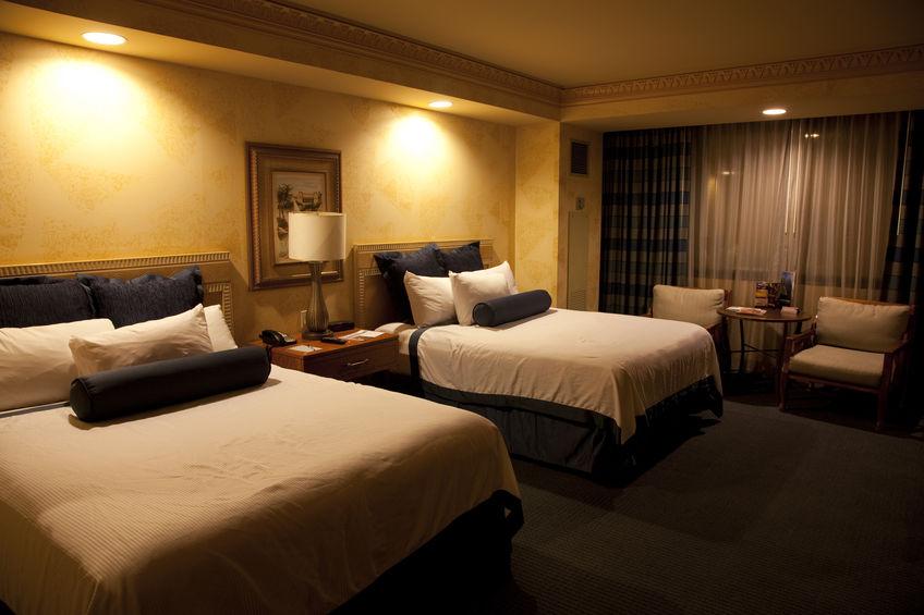 綺麗なホテルの部屋の内装画像