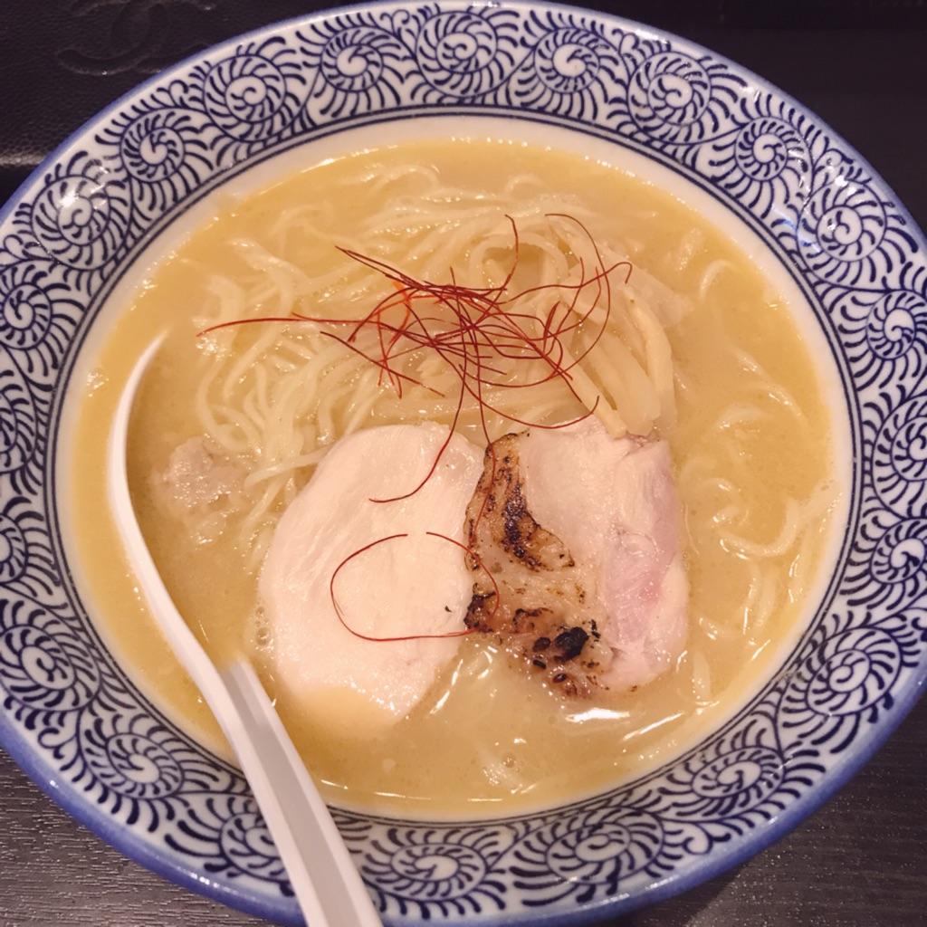 麺屋鶏一の鶏白湯ラーメン