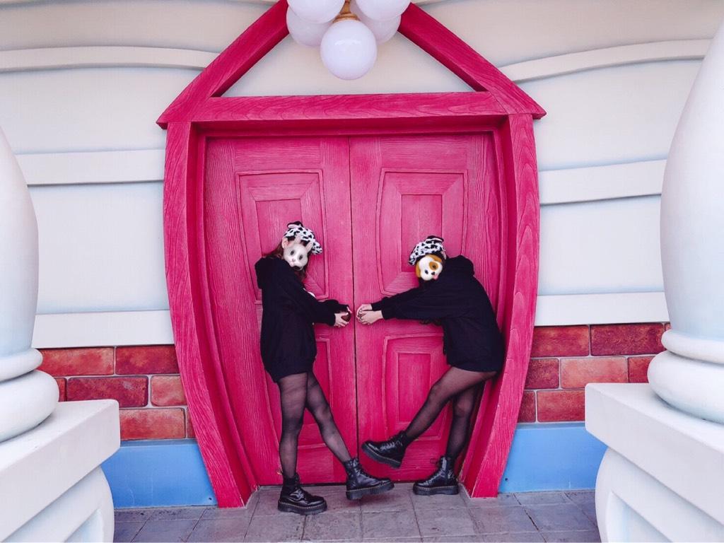 トゥーンタウンの赤い扉