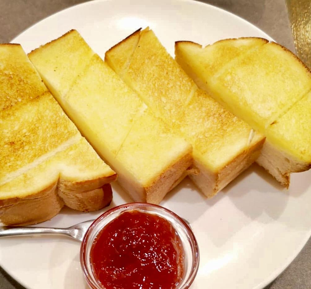 珈琲館の厚切りトースト
