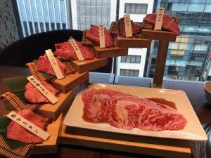 WORLD DINERの肉の階段盛り