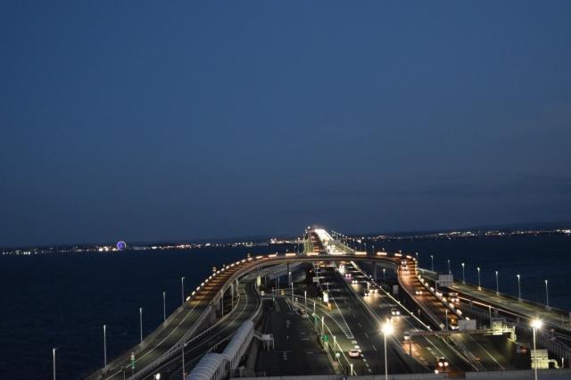 夜の海ほたるPAの画像